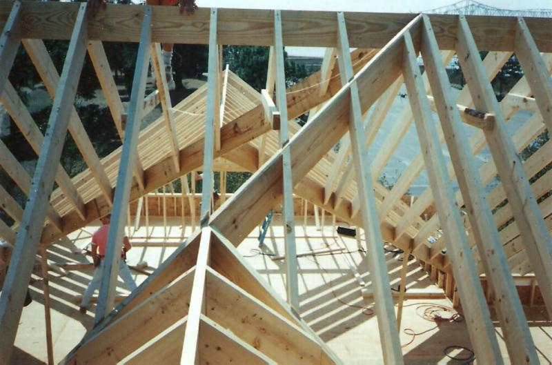 proper roof framing in the charleston area, mt. pleasant home under construction